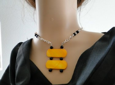 Set 3 Necklace and Earrings Yellow Shell