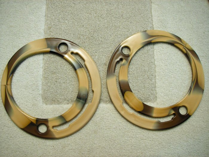 Pair of Circular Plastic Handles for Bags