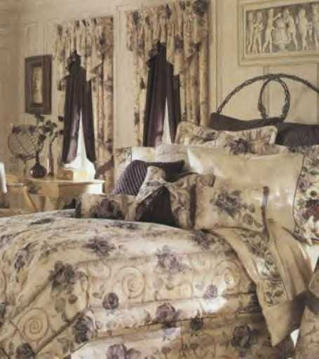 Croscill Chambord-Cassis Blousom Valance