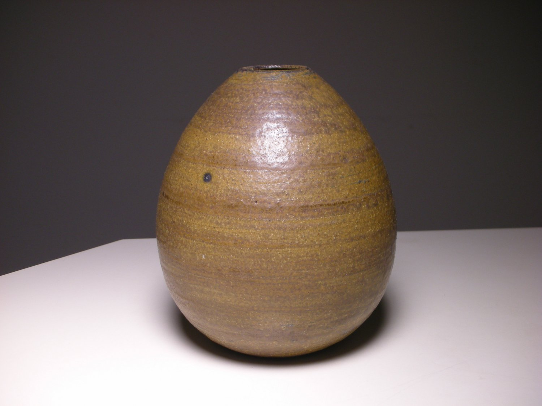 Vintage Modern American Maria K. Stueland Ceramic Studio Vase (Egg Shape)