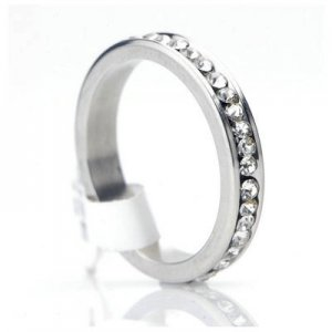 316L Stainless Steel CUBIC ZIRCONIA Crystals 4mm wide Band  Ring US Size 8 A0624-18