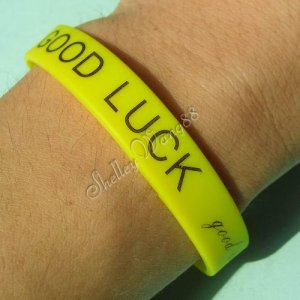 Silicone Yellow Rubber Bangle Wristband Elastic Belt Bracelet Good Luck A1264