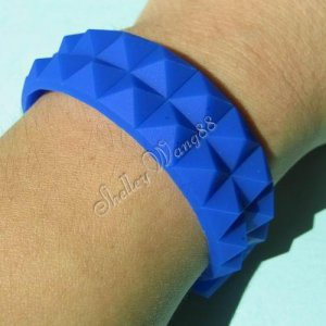 New Silicone Rubber Bangle Elastic Belt Bracelet Buckle Pyramid Button Blue A1244
