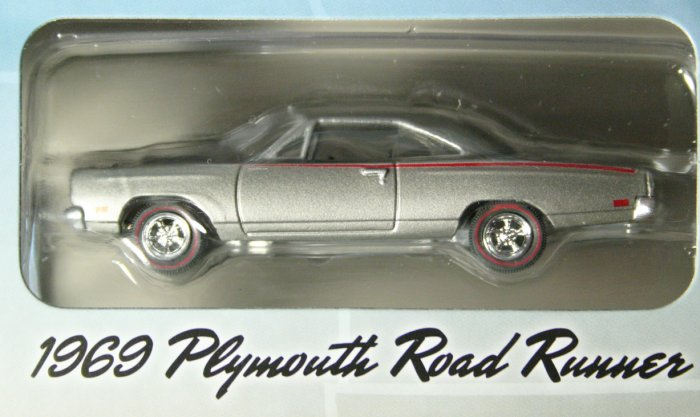 GreenLight Route 66 1969 Plymouth Road Runner