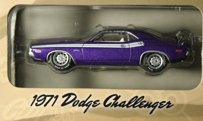 GreenLight Route 66 1971 Dodge Challenger