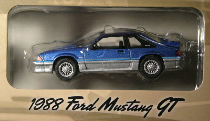 GreenLight Route 66 1988 Ford Mustang GT