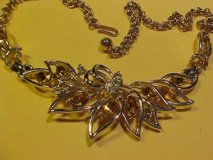 "Bright Niffty Costume Necklace 16"" Vintage"