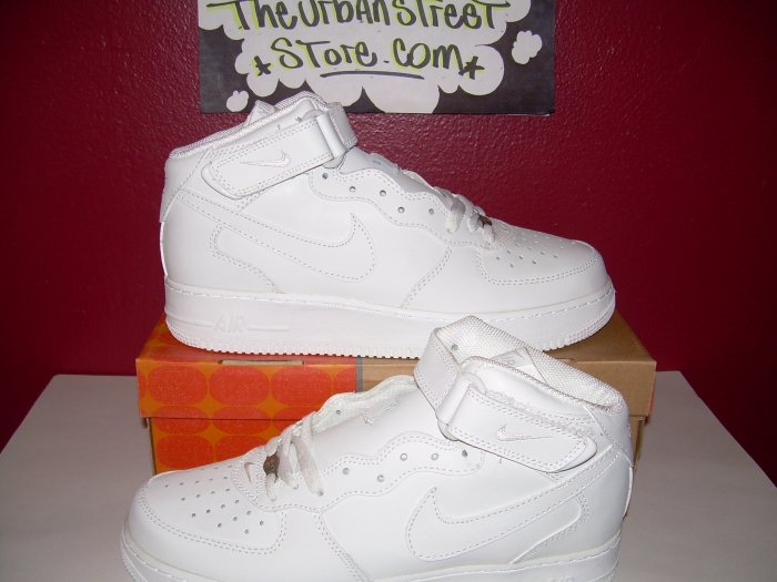NIKE AIR FORCE ONE ALL WHITE HIGH TOPS MENS SIZE 7.5