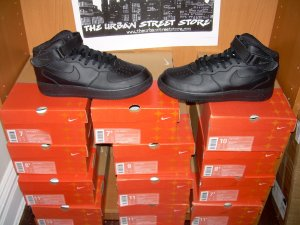 WHOLESALE LOT OF 12 PAIRS AF1 ALL BLACK LOW TOPS