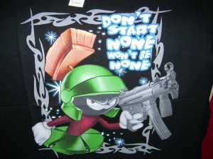 NEW MARVIN THE MARTIAN BLACK BIG T SHIRT