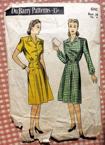 Women's 1940s WW II Era Dress Vintage Sewing Pattern DuBarry 6142