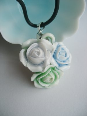Porcelain Triple-rose Pendent