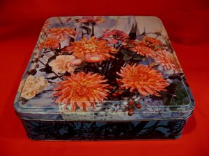 Vintage Jacksons of Piccadilly Biscuits Cookie Tin Souvenir Florescent Flower