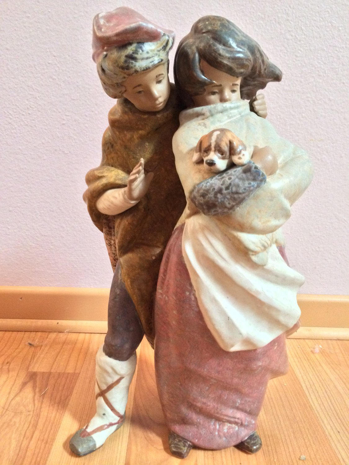 LLADRO Piece 1279 Facing The Wind � Retired with box