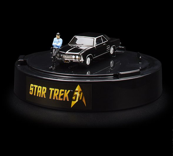 SDCC 2016 Mattel Hot Wheels® Star Trek: '64 Buick Riviera & Spock