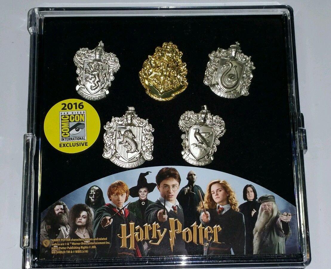 SDCC 2016 Monogram Exclusive Harry Potter Hogwarts House Crest 5 Piece Lapel Pin Set
