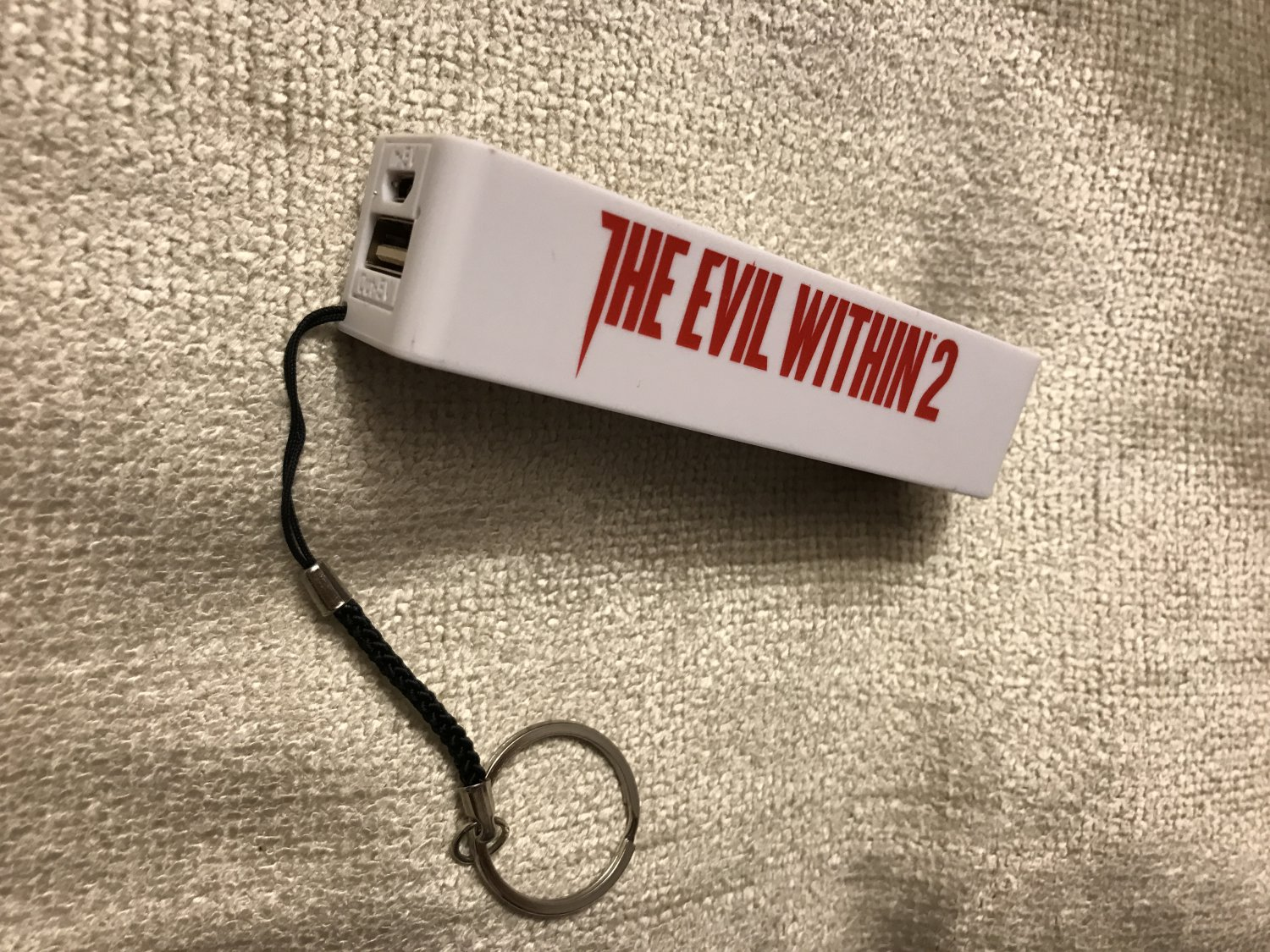 E3 2017 - Bethesda The Evil Within 2 battery charger