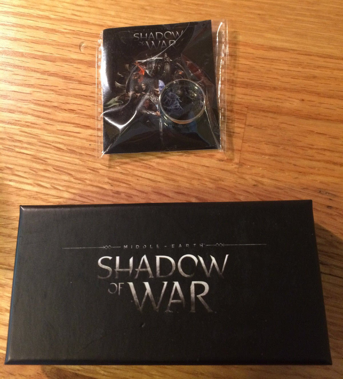 E3 2017 - Xbox Shadow Of War Ring + Forged Hammer Bottle Opener