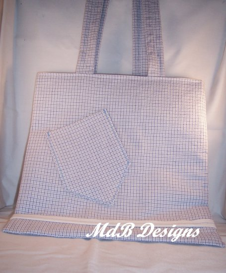 Magazine Tote in Light Blue Seersucker