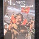 The Leopard Sword  Michael Cadnum HCDJ 2002 England