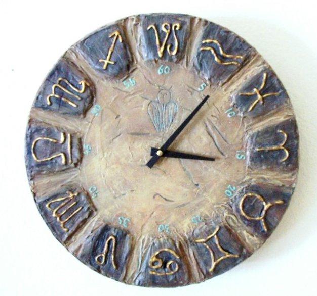 RUSTIC WALL CLOCK-ZODIAK DESIGN