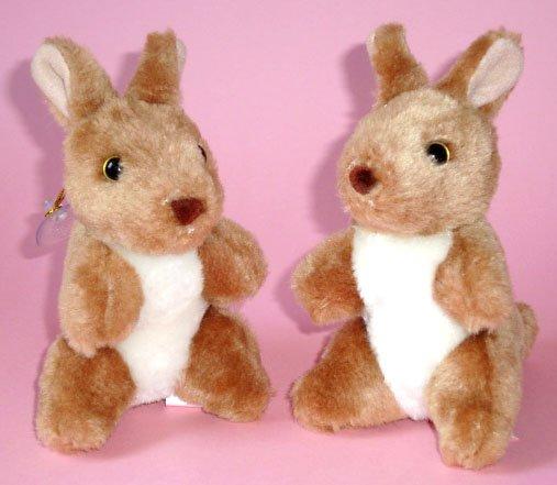 "Kangaroo Plush Toys (2) ~ 5"" high, Post from Australia"