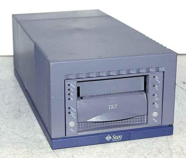 Sun 599-2347-02 - DLT 8000, EXT. Tape Drive, 40/80GB