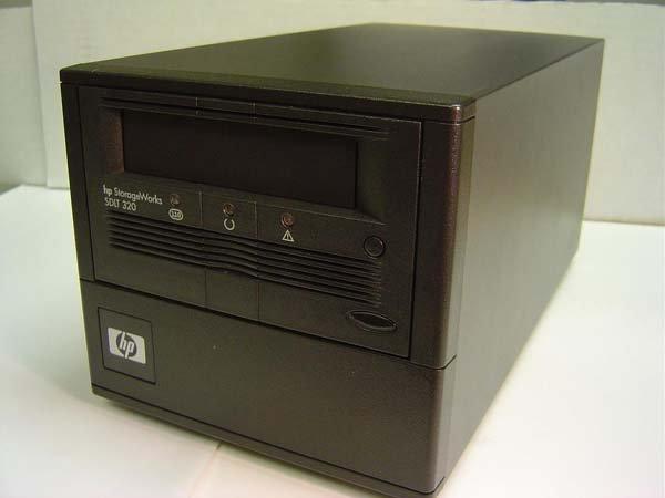 HP 257319-001 - Super DLT 320, EXT. Tape Drive, 160/320GB