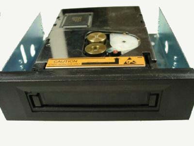Seagate STT2401A - Travan, INT. TR-7 Tape Drive, 20/40GB
