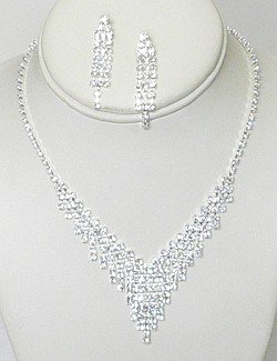 CASCADING RHINESTONE V NECKLACE SET NKR643