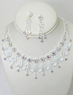 CLEAR & IRIDESCENT RHINESTONE COLLAR SET NKR623