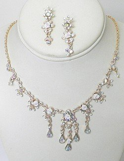 CRYSTAL FLOWER NECKLACE SET NKR610