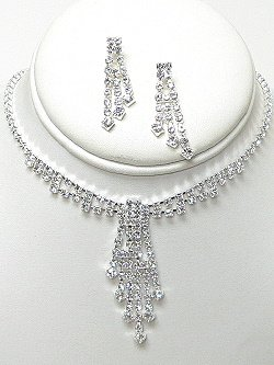 RHINESTONE SET WITH STAGGERED DROPS NKR581