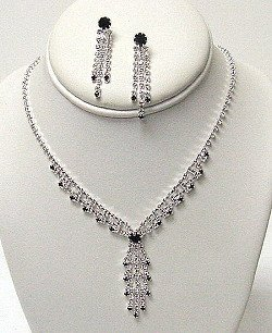 CLEAR AND BLACK AUSTRIAN CRYSTAL SET NKR453