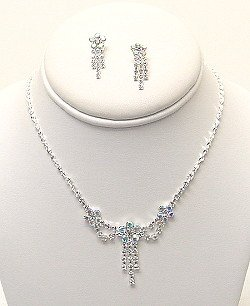 CLEAR AND IRREDESCENT RHINESTONE SET NKR384
