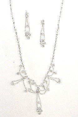 CLEAR STONES DANGLING SET NKR252