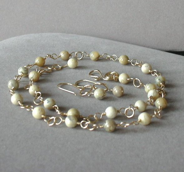 Cream and Honey Jewelry Set