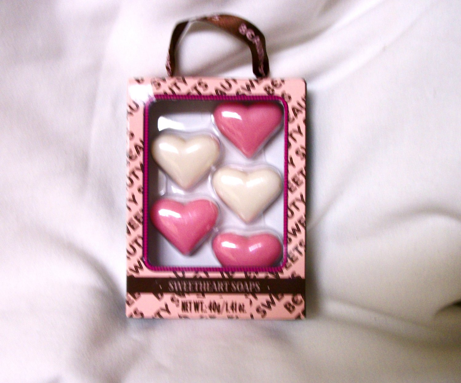 "AMERICAN GIRL 18"" DOLL ACCESSORY-SWEET HEARTS SOAPS"