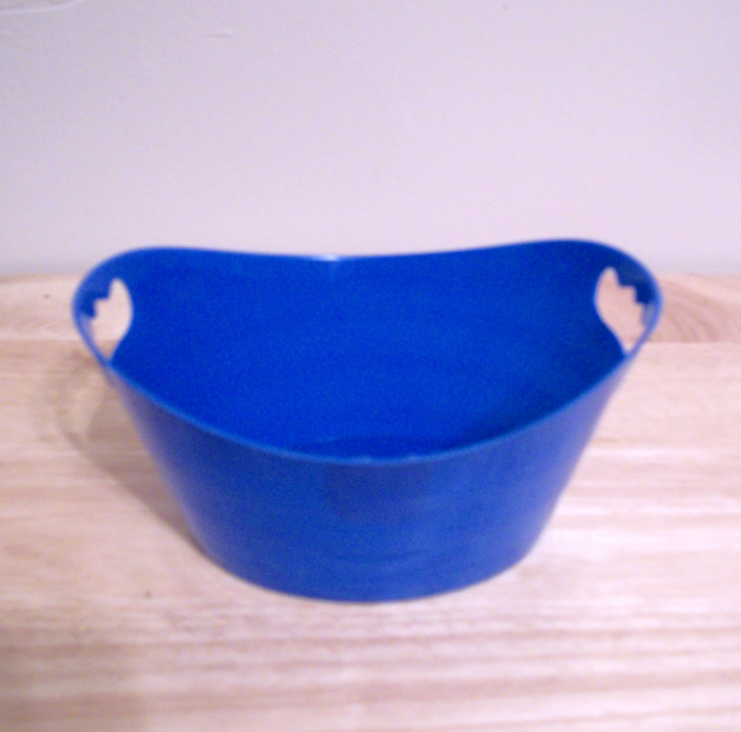 AMERICAN GIRL 18 INCH DOLL ACCESSORY-LAUNDRY BASKET