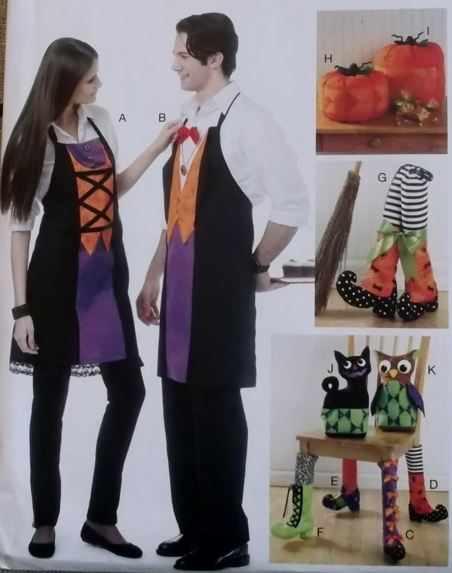 McCalls M 6415,  Halloween Aprons & Decorating Set Pattern, One Size, UNCUT