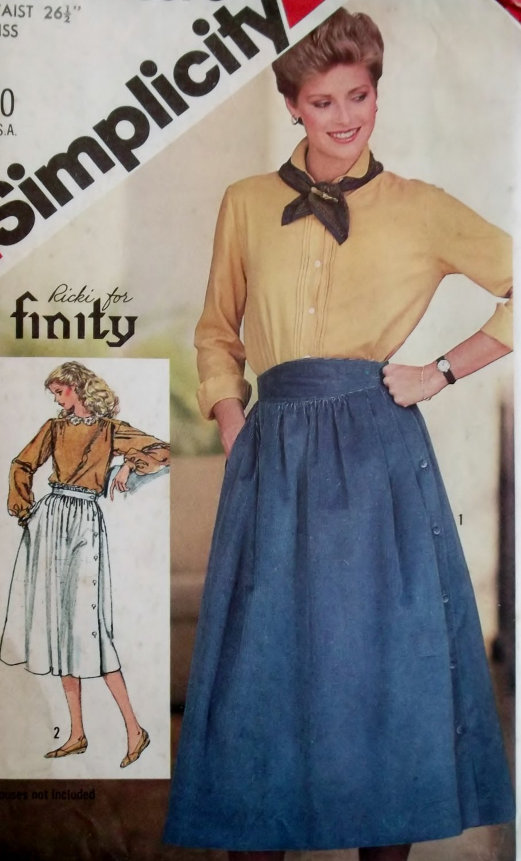 Misses' Side Button  Skirt  Simplicity 5576 Pattern Size 12, Bust 34, Uncut