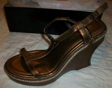 NIB C. Stuart T-Strap Bronze Wedge Sandals 9 $79 NEW