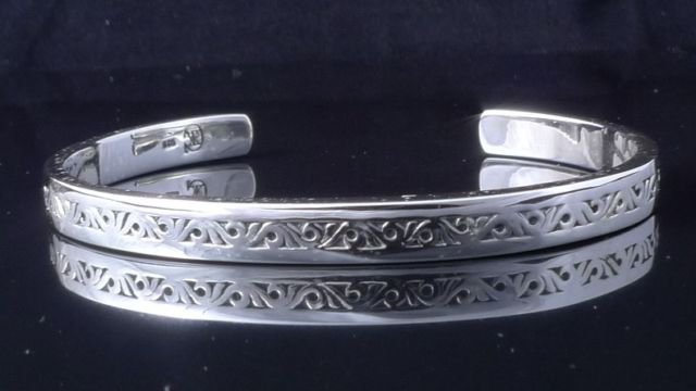 "925 STERLING SILVER TRIBAL MAORI ENGRAVED CHOPPER BRACELET BANGLE 2.3"" wide"