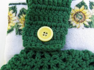 """Green Sunflower """"Welcome"""" Hanging Towel"""