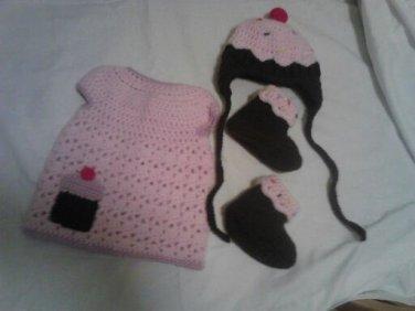 Cupcake inspired baby set