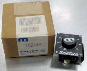 TD244P Maxitrol Panel Mount Temp Selector