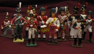 Reeves International Vintage Toy Soldiers Lot of 17