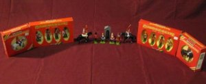 Britains Metal Models Toy Lot of 16 Toy Soldiers