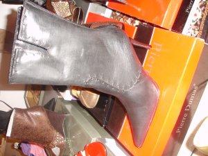 Black Boot Zipper