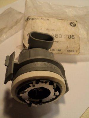 BMW 63 12 8 380 206 Headlight Bulb Socket